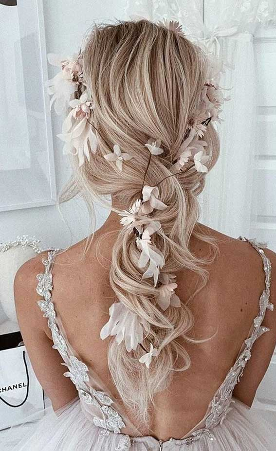Gorgeous wedding hairstyles from updo to ponytails