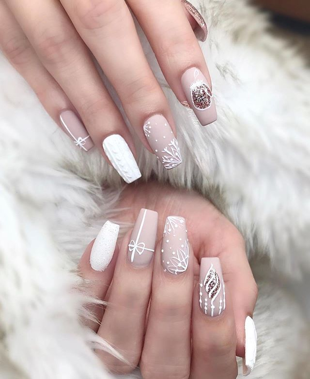70 Pretty Festive and Winter Nail Art Designs – Page 60