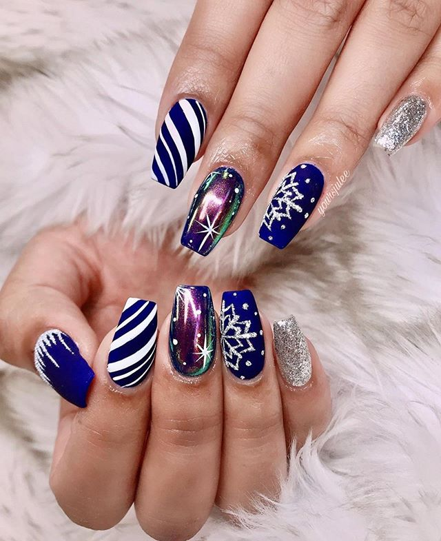70 Pretty Festive and Winter Nail Art Designs – Page 65