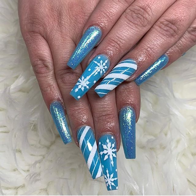 70 Pretty Festive and Winter Nail Art Designs  – Page 47