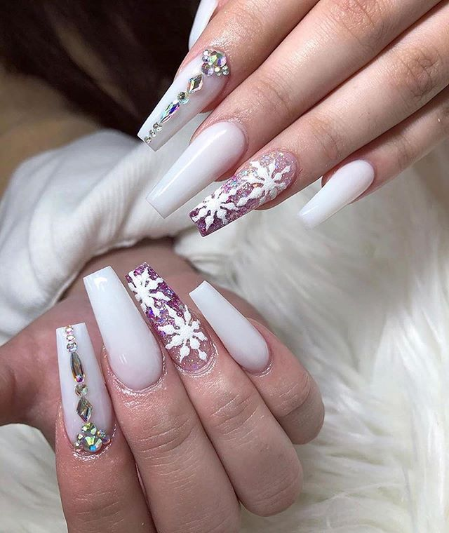 70 Pretty Festive and Winter Nail Art Designs – Page 49