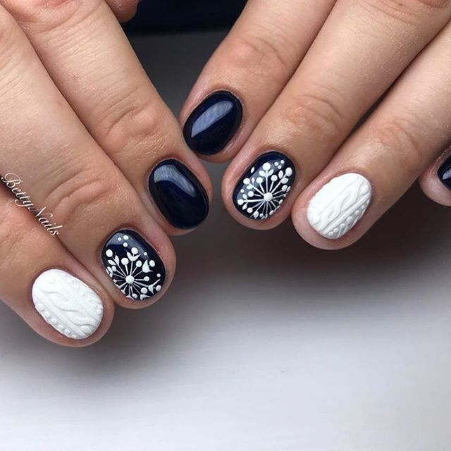 70 Pretty Festive and Winter Nail Art Designs – page 13