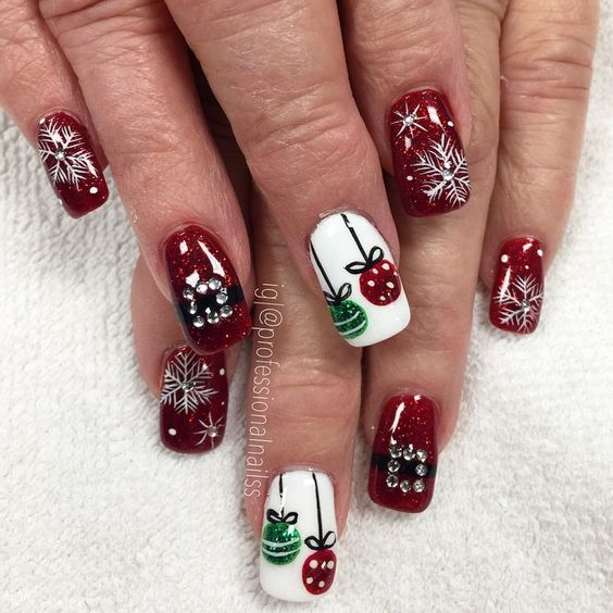 70 Pretty Festive and Winter Nail Art Designs – page 25