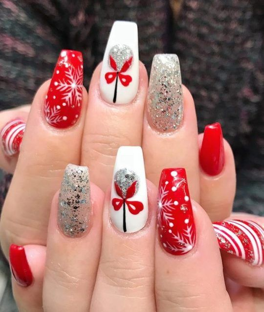 70 Pretty Festive and Winter Nail Art Designs – page 29
