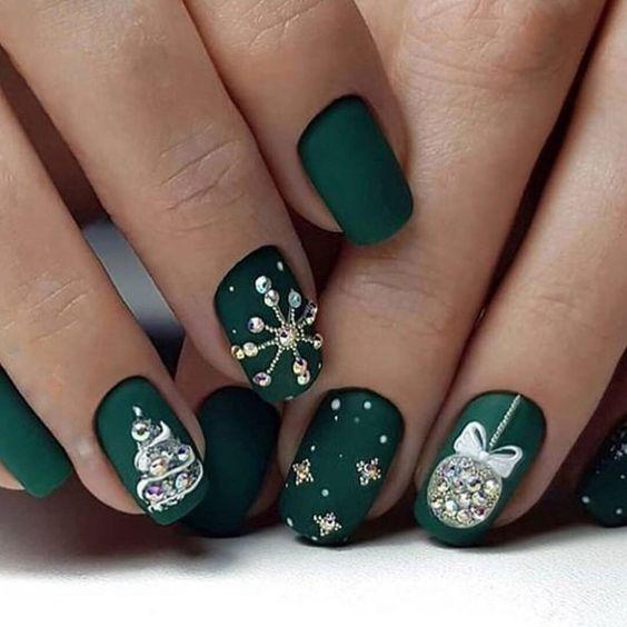 70 Pretty Festive and Winter Nail Art Designs – page 30