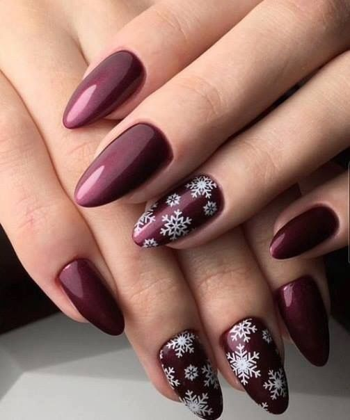 70 Pretty Festive and Winter Nail Art Designs – page 37