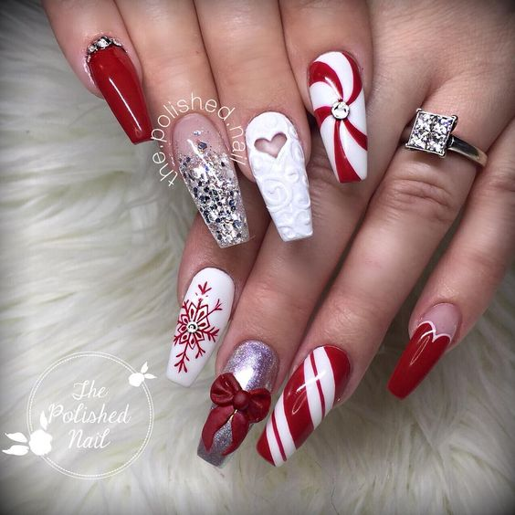 70 Pretty Festive and Winter Nail Art Designs – page 40