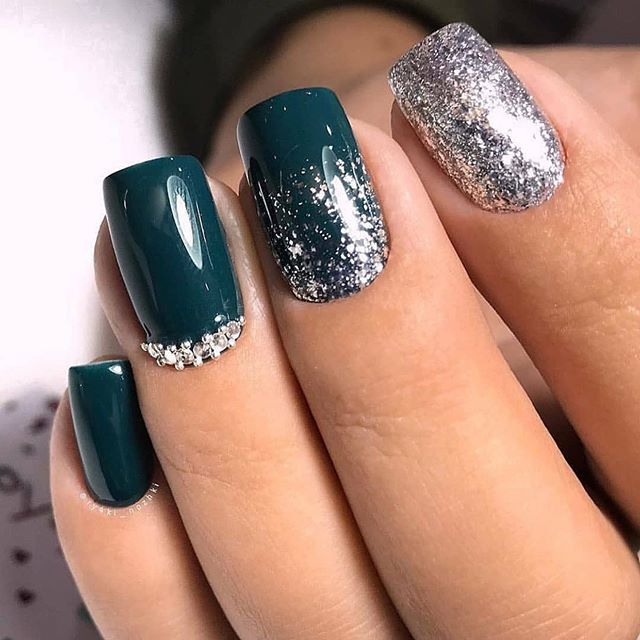 70 Pretty Festive and Winter Nail Art Designs – page 9