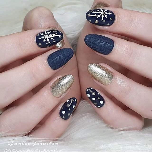 Stunning Winter Nail Art Designs – Page 33