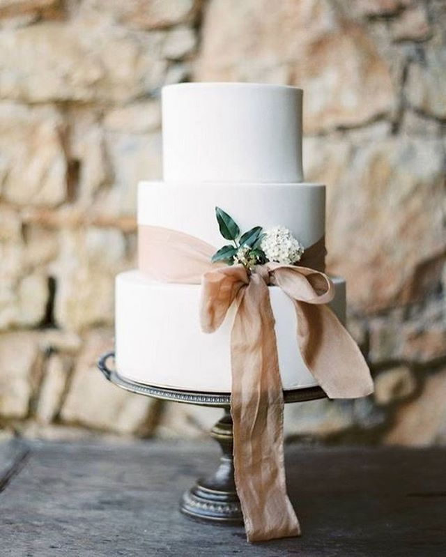 Beautiful Wedding Cake Trends For 2020 – 12