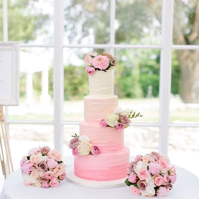 Beautiful Wedding Cake Trends For 2020 – 14