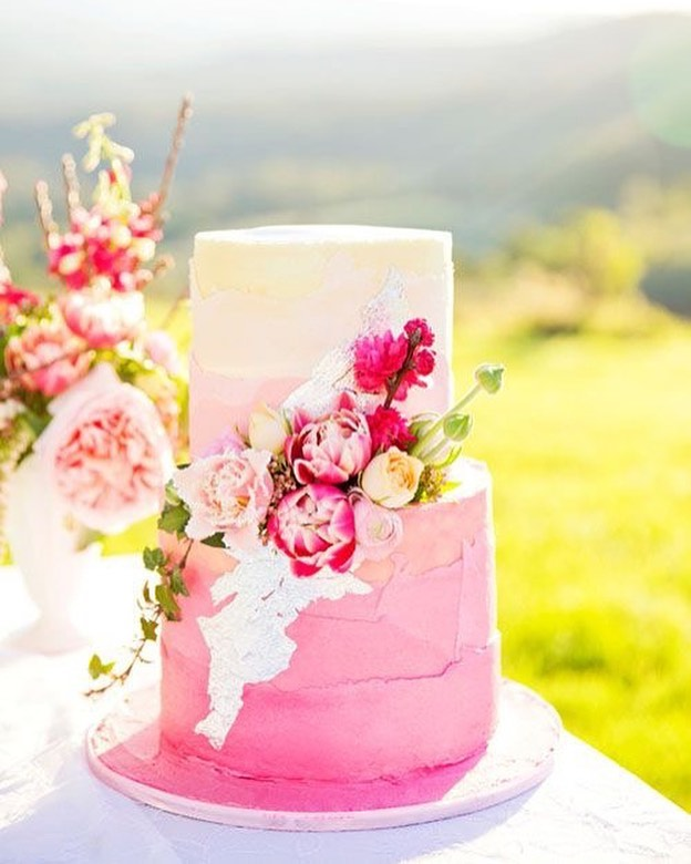 Beautiful Wedding Cake Trends For 2020 – 19