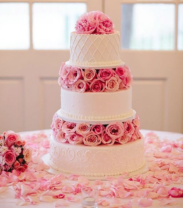Beautiful Wedding Cake Trends For 2020 – 17