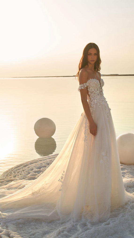 The perfect wedding dress for beach wedding