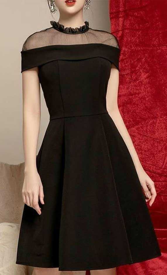 41 Stunning black dresses that you should have in your closet – 13