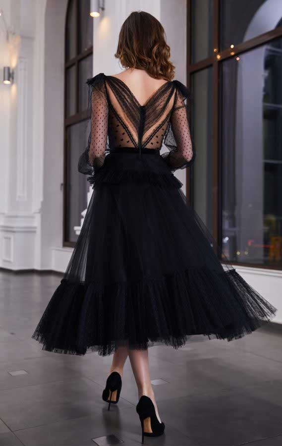 41 Stunning black dresses that you should have in your closet – 7