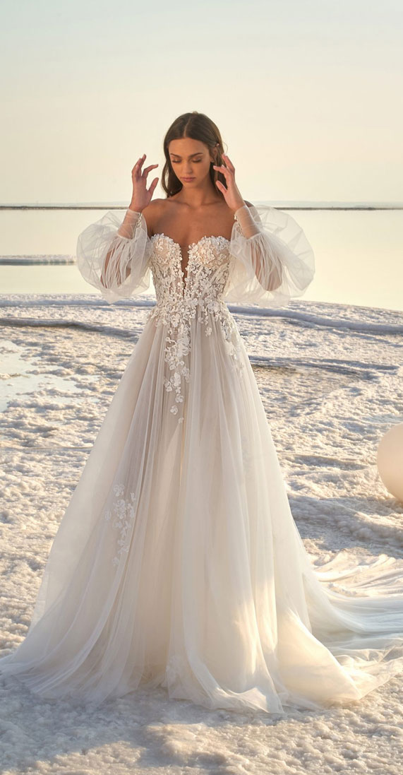 The perfect wedding dress for beach wedding
