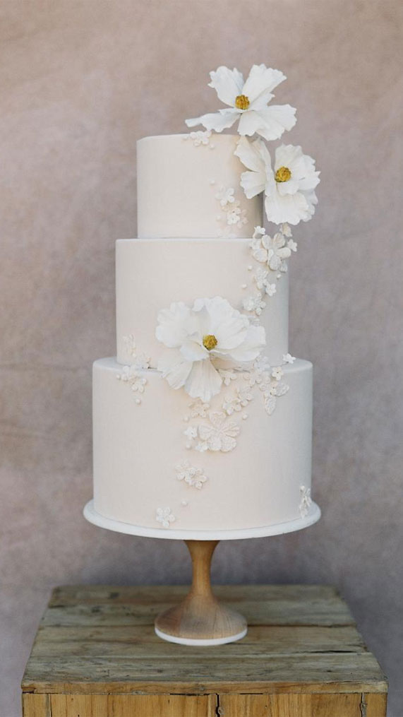 Romantic & Simple Wedding cakes