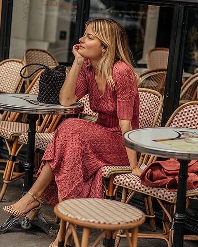 34 absolutely chic ways to dress like a Parisienne