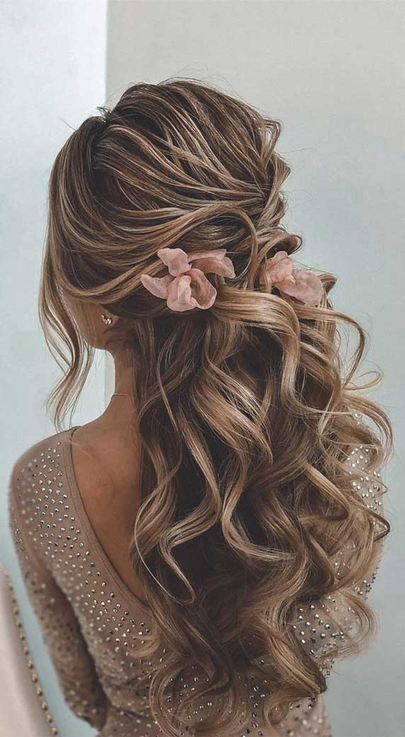 Gorgeous prom hairstyles that will make you shine through night – 5
