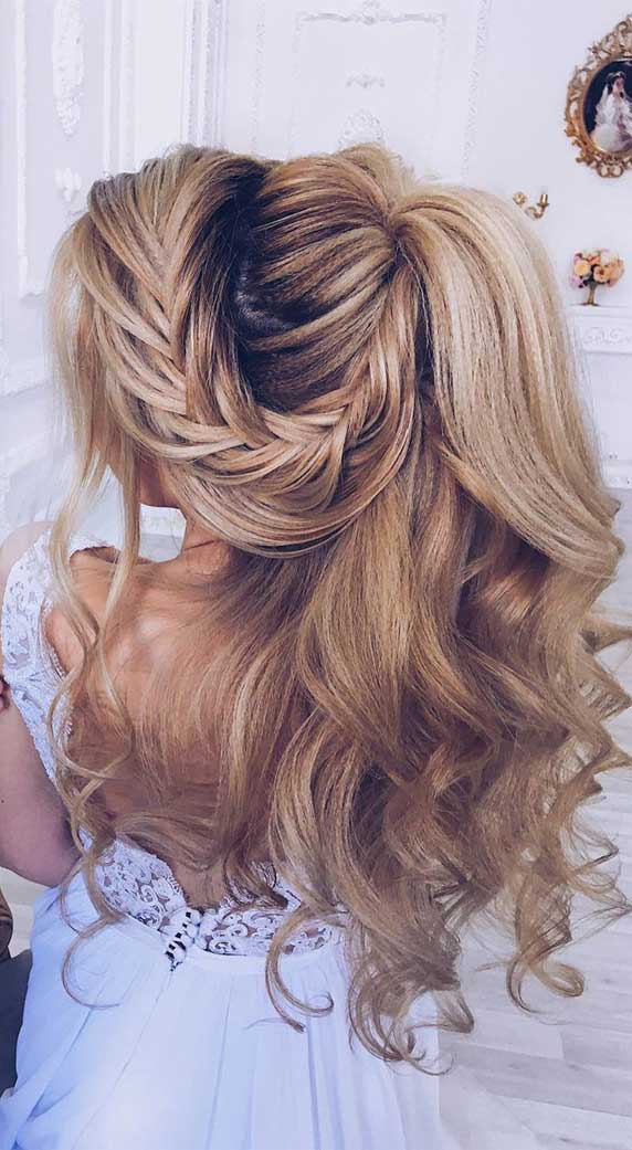 Gorgeous prom hairstyles that will make you shine through night – 1